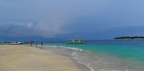 Saarilta löytää yhä rauhallisiakin rannanpätkiä, jotka eivät ole täynnä porukkaa.