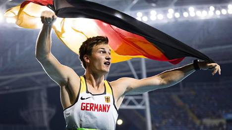 Thomas Röhler juhli olympiavoittoaan Riossa kesällä 2016. Röhler kuuluu ennakkosuosikkeihin myös Lontoon MM-kisoissa.