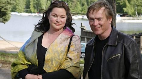 Kirsi-Kaisa Sinisalo ja Pantse Syrjä avioituivat vuonna 1995.