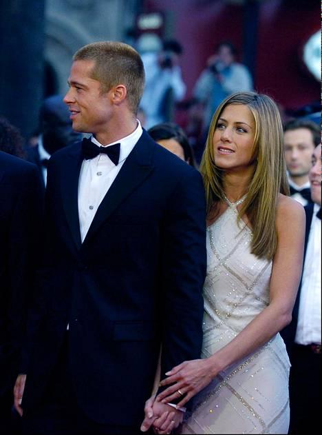 Pitt ja Aniston pitivät yhtä seitsemän vuotta.