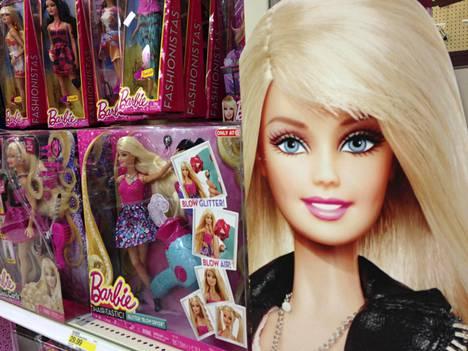 Arkistokuva Barbie-nukeista. Hello Barbie on kuitenkin ainoa, joka kytkeytyy verkkoon.