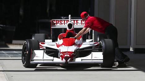 F1-autojen lisäksi myös Indycar-autot viedään nyt pitkäksi aikaa pilttuuseen.