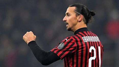 Zlatan Ibrahimovic jatkaa AC Milanissa.