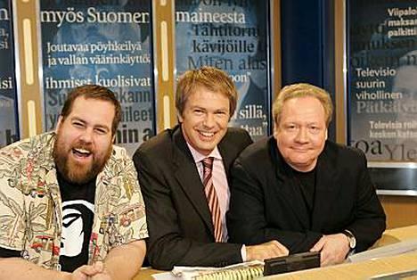 Stan Saanila, Peter Nyman ja Jari Tervo luotsaavat supersuosittua Uutisvuotoa.