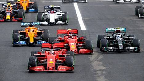 Unkarin GP-kisan lähdössä asiat olivat vielä hyvin Ferrarin osalta, mutta sen jälkeen hymy katosi talliväen huulilta.