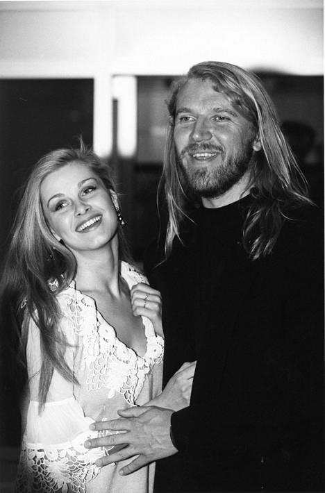 Tarja Smura ja Renny Harlin hymyileväisinä vuonna 1993.