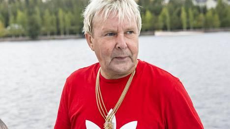 Matti Nykänen kuvattuna viime kesänä Jyväskylässä musiikkivideon tekemisen parissa.