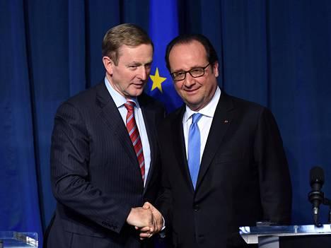 Irlannin pääministeri Enda Kenny (vas.) ja Ranskan presidentti Francois Hollande pitivät tänään yhteisen tiedotustilaisuuden Dublinissa.