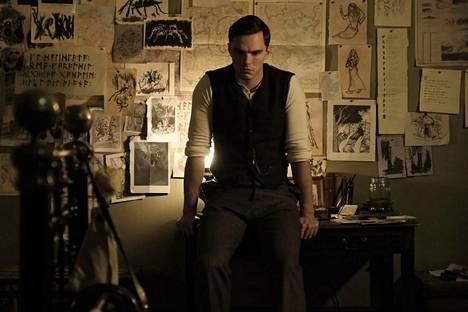 Tolkienin tähti, brittiläinen Nicholas Hoult, tunnetaan muun muassa X-Men-supersankariseikkailuista sekä hovijuonittelusta The Favourite.