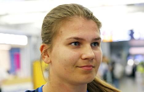 Anna Koivunen oli Suomen alle 17-vuotiaiden MM-joukkueen maalivahti.