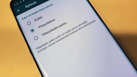 Nyt on mahdollista estää yksittäisiä käyttäjiä liittämästä sinua WhatsApp-ryhmiin tahtomattasi.