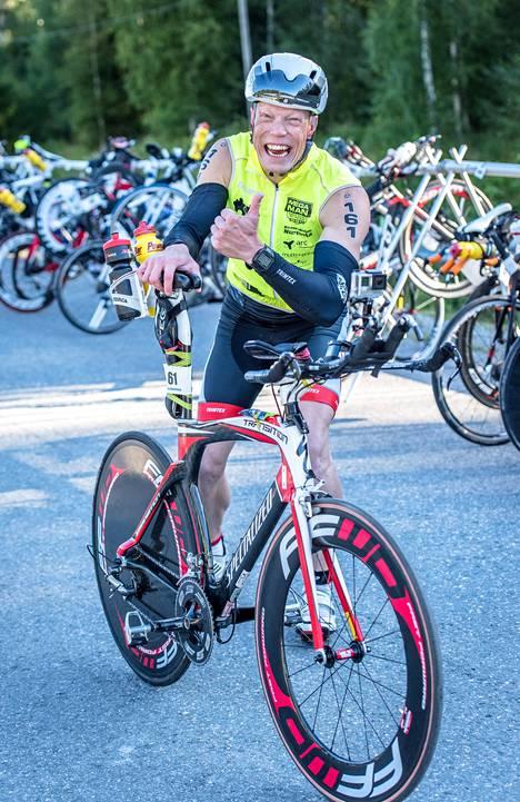 Juri Haverista hymyilytti vielä lauantainakin, vaikka takana oli jo kaksi täyden matkan triathlonia.