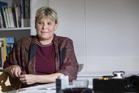 OKM:n liikunta-asioista vastaavan johtajan Tiina Kivisaaren mielestä valmennuskulttuurin epäkohdista täytyy käydä avointa keskustelua.