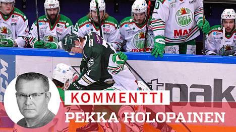 Valkopaitainen Rögle on ollut kauden 2020–2021 huikea kiekkotarina Ruotsissa. Finaaleissa pelaava skoonelaisseura ei ollut ennen tätä kevättä koskaan voittanut yhtään pudotuspeliä.