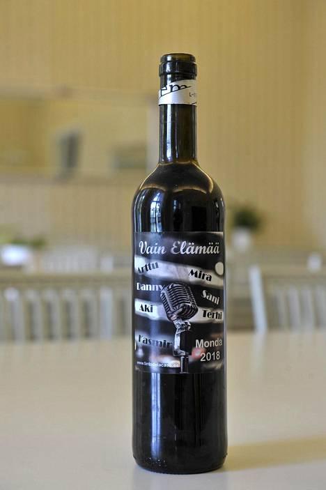 Viinipullo on muisto Vain elämää -matkasta.