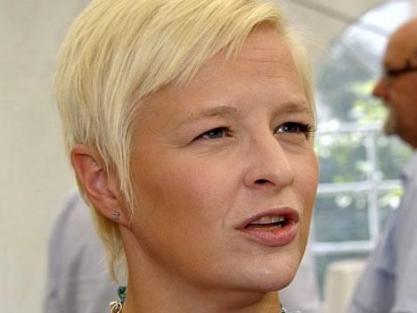 Finanssialan keskusliiton toimitusjohtaja Piia-Noora Kauppi varoittaa, että finanssialan sääntelyn kiristyminen estää uusien työpaikkojen synnyn.