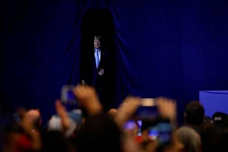 Trump saapui pitämään puheen kannattajilleen Miamissa.