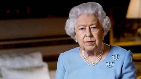 Kuningatar on innokas ratsastaja vielä 94-vuotiaanakin.
