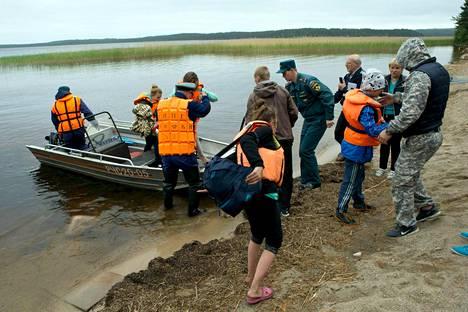 Venäjän lapsiasiamies on aiemmin sanonut, että kaikilla veneretkeen osallistuneilla ei olisi ollut edes pelastusliivejä.
