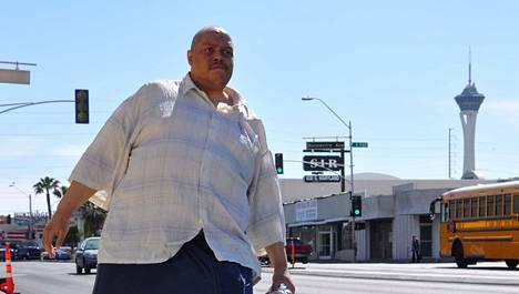 Wesley Warren Jr. kärsi epänormaalin suureksi kasvaneesta kivespussista. 5D: Maailman suurimmat kivekset, ma 20.4. TV5 klo 23.15.