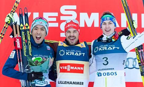 Ilkka Herola (oik.) nousi palkintopallille ensimmäistä kertaa urallaan Lillehammerissa 5.12.2015.
