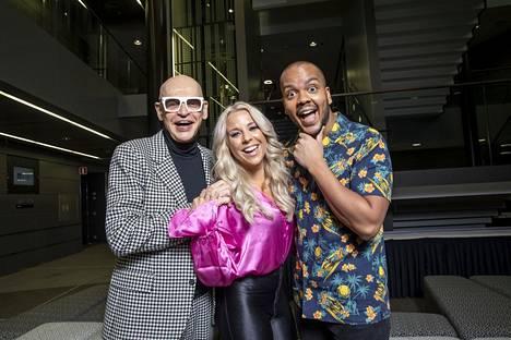 Krista juontaa Talent Suomi -ohjelmaa yhdessä Ernest Lawsonin ja Jorma Uotisen kanssa.
