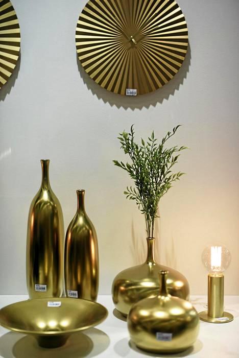 9. Kulta: Esimerkiksi keittiön koriste- ja hyötyesineiden yksityiskohdissa on paljon kultaa ja ruusukultaa.