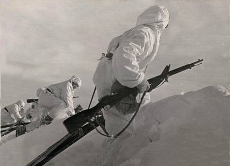 Suomalaisia sotilaita talvisodassa pohjoisrintamalla.