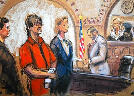 Piirtäjä kuvasi Dzhohar Tsarnajevin oikeudessa 10. heinäkuuta.