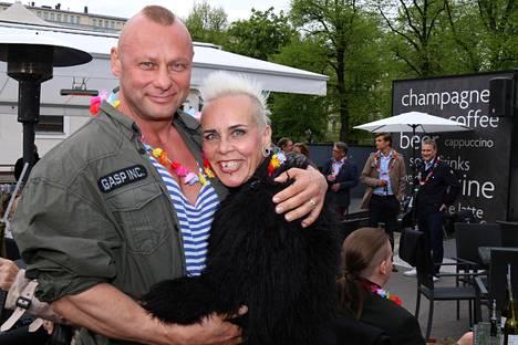 Wilma Schlizewski ja Olli Väätäinen ovat näyttävä pariskunta.
