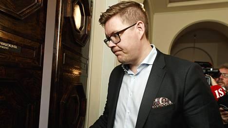 Sdp:n eduskuntaryhmän puheenjohtaja Antti Lindtman ei kerro, mitä ministeritehtävää Rinne hänelle tarjosi.