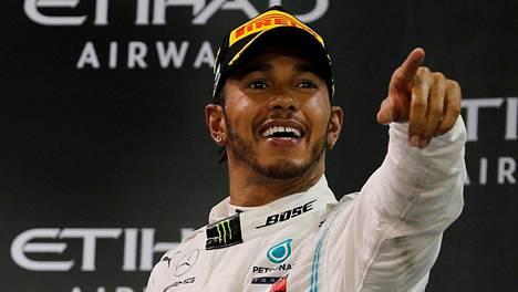 Lewis Hamilton tietää markkina-arvonsa ja uskaltaa pyytää sen mukaisen palkan.