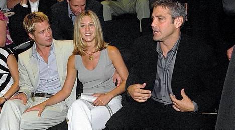 Brad Pitt, Jennifer Aniston ja George Clooney vuonna 2002.