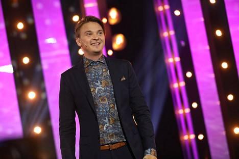 Roope Salminen on hauskuuttanut muun muassa Putous-suosikkiohjelman juontajana.