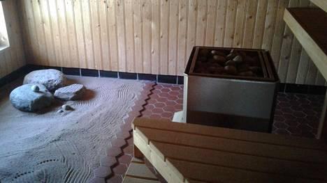 """Hannelen talossa on sauna, jota ei ole Suomessa totuttu näkemään: """"Sanoin miehelleni, että tämmöinen tehdään tuohon"""""""