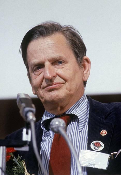 Olof Palme kuvattuna vierailulla Porissa kesäkuussa 1981.