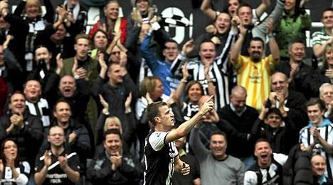 Joukkueen suoritukset ovat antaneet Newcastle-kannattajille aihetta riemuun - seurajohdon eivät.