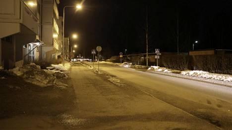 Rikospaikka Tuppurala tunnetaan tavanomaista levottomampana alueena.