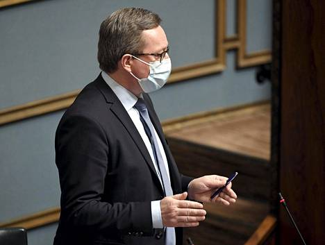 Elinkeinoministeri Mika Lintilän mukaan Suomessa rokotteita ei ole valmistettu sitten vuoden 2003, ja Venäjän viestistä Sputnik-rokotteen valmistamisesta Suomessa ei ole hallituksessa keskusteltu vielä lainkaan.