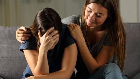 Parhaimmillaan ystävä on korvaamaton tukipilari. Aina näin ei kuitenkaan ole.
