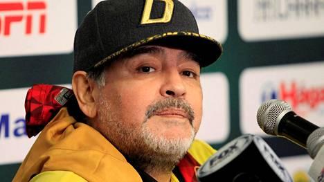 Diego Maradona jälleen sairaalassa – jalkapallolegenda joutuu leikkaukseen verenvuodon takia