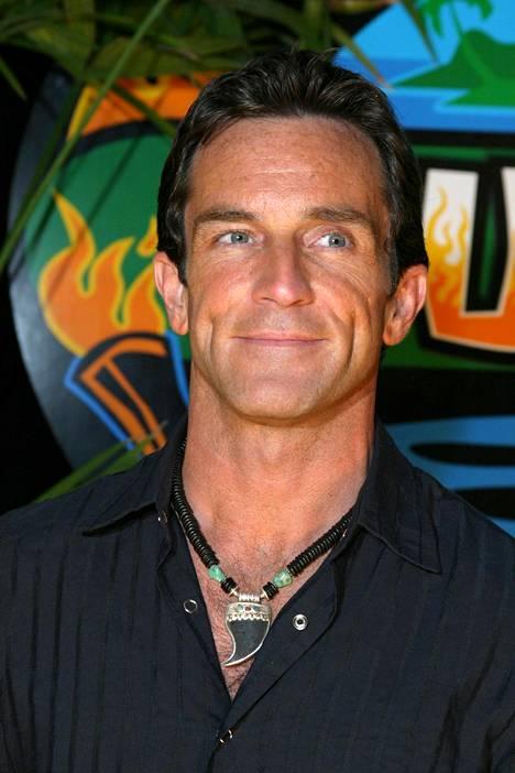 Jeff on juontanut hurjat 510 jaksoa Selviytyjiä.
