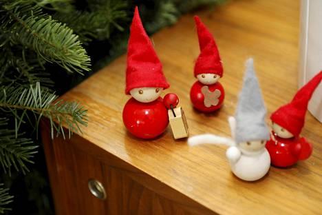 Käy joulukoristeet läpi hyvissä ajoin ja säästä niistä mieluisimmat.