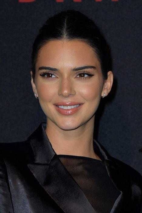 Jenner joutuu maksamaan Fyre-sopasta pitkän pennin.