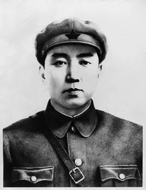 1948 perustetun Korean demokraattisen kansantasavallan ensimmäinen johtaja Kim Il-sung julisti naab sosialistiseksi.