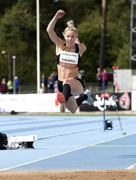 Jessica Kähärä on Suomen huippuja myös sivulajissaan kolmiloikassa.
