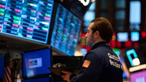 Yhdysvaltain osakemarkkinoiden VIX-indeksi eli niin kutsuttu pelkokerroin kiipesi eilen 42 prosenttia, mutta oli yhä kaukana finanssikriisin huipuista. Indeksi jatkoi nousua myös tänään.