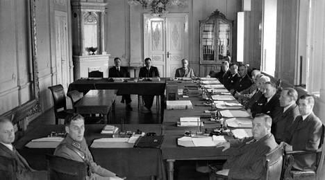 Suomen lyhytaikaisin hallitus on jatkosodan lopulla valtaan tullut Hackzellin virkamieshallitus, joka oli vallassa 45 päivää.