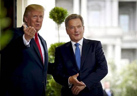 Trump toivotti Niinistön tervetulleeksi Valkoiseen taloon kesällä 2017.