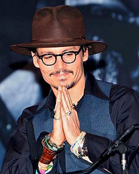 Johnny Depp kuvaili oman lihansa makua toimittajille.